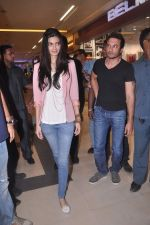 Diana Penty promotes Cocktail in Reliance Digital, Mumbai on 20th July 2012 (76).JPG