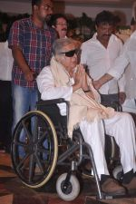 Shashi Kapoor at Rajesh Khanna chautha in Mumbai on 21st July 2012 (166).JPG