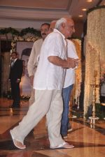 Yash Chopra at Rajesh Khanna chautha in Mumbai on 21st July 2012 (91).JPG