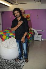 Raja Hasan at Kamaal Khan_s house warming celebration party in Mumbai on 29th July 2012.JPG