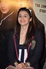 Alia Bhatt at Student of the Year first look in PVR on 2nd Aug 2012 (317).JPG