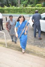 maneka gandhi at antique Lithographs charity event hosted by Gallery Art N Soul in Prince of Whales Musuem on 3rd Aug 2012 (5).JPG