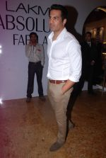 Upen patel at LFW 2012 Day 4 in Grand Hyatt on 6th Aug 2012-1 (48).JPG