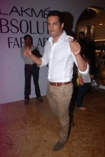 Upen patel at LFW 2012 Day 4 in Grand Hyatt on 6th Aug 2012-1 (49).JPG