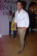 Upen patel at LFW 2012 Day 4 in Grand Hyatt on 6th Aug 2012-1 (52).JPG