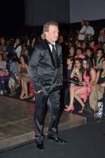 at Lakme Fashion Week 2012 Day 5 post Bash in Grand Hyatt on 7th Aug 2012 (193).JPG
