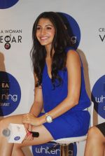 Anushka Sharma at Nivea press meet in Mumbai on 8th Aug 2012 (75).jpg