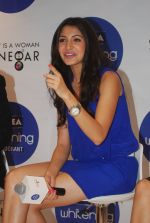 Anushka Sharma at Nivea press meet in Mumbai on 8th Aug 2012 (77).jpg