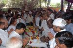 at Ashok Mehta_s funeral in Mumbai on 17th Aug 2012 (30).JPG