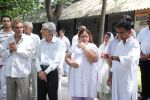 at Ashok Mehta_s funeral in Mumbai on 17th Aug 2012 (99).JPG
