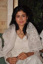 Anurita Jha with Cast of Gangs of Wasseypur 2 at Iftaar party in Bandra,Mumbai on 17th Aug 2012 (32).JPG