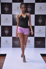 at Aamby Valley Bridal week model auditions in Sahara Star on 25th Aug 2012 (171).JPG