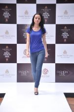 at Aamby Valley Bridal week model auditions in Sahara Star on 25th Aug 2012 (159).JPG