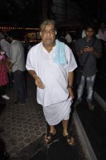 Anjan Shrivastav at A K Hangal_s prayer meet in Juhu, Mumbai on 27th Aug 2012 (25).JPG