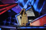 Bipasha Basu on the sets of Lil Masters in Famous Studio on 28th Aug 2012 (10).JPG