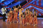 Bipasha Basu on the sets of Lil Masters in Famous Studio on 28th Aug 2012 (29).JPG