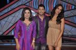 Bipasha Basu, Farah Khan, Geeta Kapoor on the sets of Lil Masters in Famous Studio on 28th Aug 2012 (68).JPG