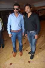 Himesh Reshammiya, Atif Aslam at Sur Kshetra launch in Taj Land_s End, Mumbai on 30th Aug 2012 (18).JPG