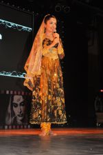 Sheena Chohan performing at the Bollywood musical stage show in Nehru Center,Mumbai on 1st Sept 2012 (2).JPG