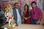 Deepika Samson, Shoaib Ibrahim with Paresh Rawal sells Ganesh idols for the promotion of his film Oh My God on 7th Sept 2012 (65).JPG