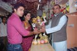 Deepika Samson, Shoaib Ibrahim with Paresh Rawal sells Ganesh idols for the promotion of his film Oh My God on 7th Sept 2012 (72).JPG