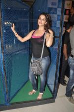 Madhurima Banerjee at Kamaal Dhamaal Malamaal promotions in R City Mall on 9th Sept 2012 (155).JPG