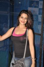 Madhurima Banerjee at Kamaal Dhamaal Malamaal promotions in R City Mall on 9th Sept 2012 (156).JPG