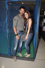 Shreyas Talpade, Madhurima Banerjee at Kamaal Dhamaal Malamaal promotions in R City Mall on 9th Sept 2012 (149).JPG