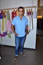 Rohit Roy at Nee & Oink launch their festive kidswear collection at the Autumn Tea Party at Chamomile in Palladium, Mumbai ON 11th Sept 2012 (89).JPG