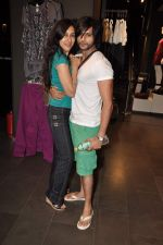 Karnvir Bohra, Teejay Sidhu at Harshad Chauhan_s birthday bash in Vero Moda on 12th Sept 2012 (92).JPG
