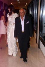Yash Chopra at Sherle Wagner store launch in Mumbai on 12th Sept 2012 (97).JPG