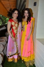 Masaba, Shazahn Padamsee at Sahchari Foundation hosts Design One preview in Mumbai on 17th Sept 2012 (77).JPG