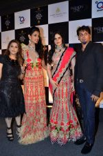 Sarah Jane, Zarine Khan at  Shane Falguni show at Aamby Valley India Bridal Fashion Week 2012 Day 5 in Mumbai on 16th Sept 2012 (111).JPG