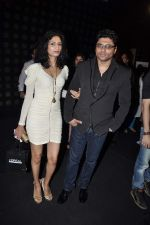 at JJ Valaya grand finale show at Aamby Valley India Bridal Fashion Week 2012 Day 5 in Mumbai on 17th Sept 2012 (91).JPG