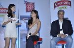 Nathalia Pinheiro, Karishma Kotak at Kingfisher calendar hunt press meet in Mumbai on 20th Sept 2012 (140).JPG