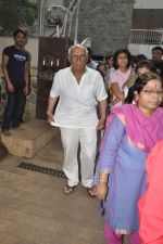 Yash Chopra at Hrithik Roshan_s Ganpati Visarjan on 20th Sept 2012 (80).JPG