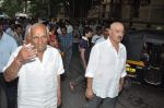 Yash Chopra, Rakesh Roshan at Hrithik Roshan_s Ganpati Visarjan on 20th Sept 2012 (83).JPG