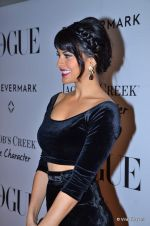 Jacqueline Fernandez at Vogue_s 5th Anniversary bash in Trident, Mumbai on 22nd Sept 2012 (27).JPG