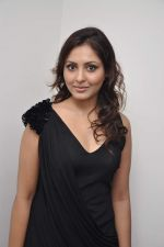 Madhu Shalini at 3D preview of RGV_s Bhoot Returns in Juhu, Mumbai on 22nd Sept 2012 (86).JPG