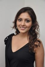 Madhu Shalini at 3D preview of RGV_s Bhoot Returns in Juhu, Mumbai on 22nd Sept 2012 (83).JPG