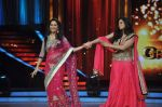 Madhuri Dixit, Sridevi promotes English Vinglish on Jhalak Dikhhla Jaa in Mumbai on 25th Sept 2012 (62).JPG