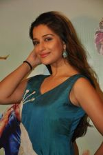 Madhurima Banerjee promotes Kamaal Dhamaal Malamaal in Dadar, Mumbai on 26th Sept 2012 (60).JPG