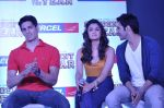 Varun Dhawan, Sidharth Malhotra, Alia Bhatt at Student of the year tie up with Aircel in Taj Hotel, Mumbai on 26th Sept 2012 (14).JPG