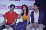 Varun Dhawan, Sidharth Malhotra, Alia Bhatt at Student of the year tie up with Aircel in Taj Hotel, Mumbai on 26th Sept 2012 (9).JPG