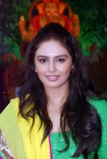 Huma Qureshi at times ganesha in Mumbai on 27th Sept 2012 (43).JPG