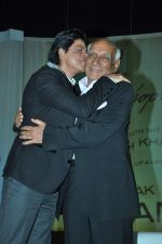 Shahrukh Khan, Yash Chopra at yash Chopra_s birthday in Yashraj Studio on 27th Sept 2012 (110).JPG