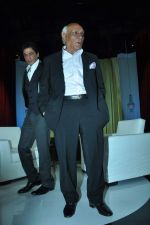 Shahrukh Khan, Yash Chopra at yash Chopra_s birthday in Yashraj Studio on 27th Sept 2012 (89).JPG