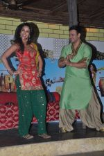 Vivek Oberoi and Mallika Sherawat promote Kismat, Love, Paisa, Dilli at Pritam da dhaba in Dadar, Mumbai on 27th Sept 2012 (101).JPG
