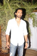 Rohit khurana at the completion of 100 episodes in Afsar Bitiya on Zee TV by Raakesh Paswan in Sky Lounge, Juhu, Mumbai on 28th Sept 2012.jpg