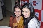 Ragini Khanna and Kamini Khanna at Big FM in Mumbai on 1st Oct 2012,1 (14).JPG